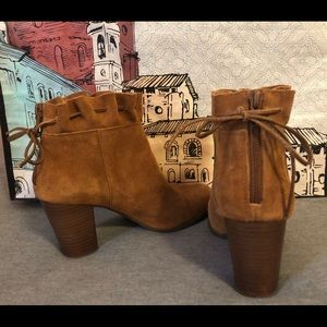 Shoes - Size 8 booties